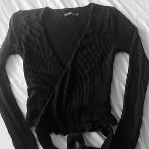Abercrombie & Fitch Black Tie Front Cropped Top